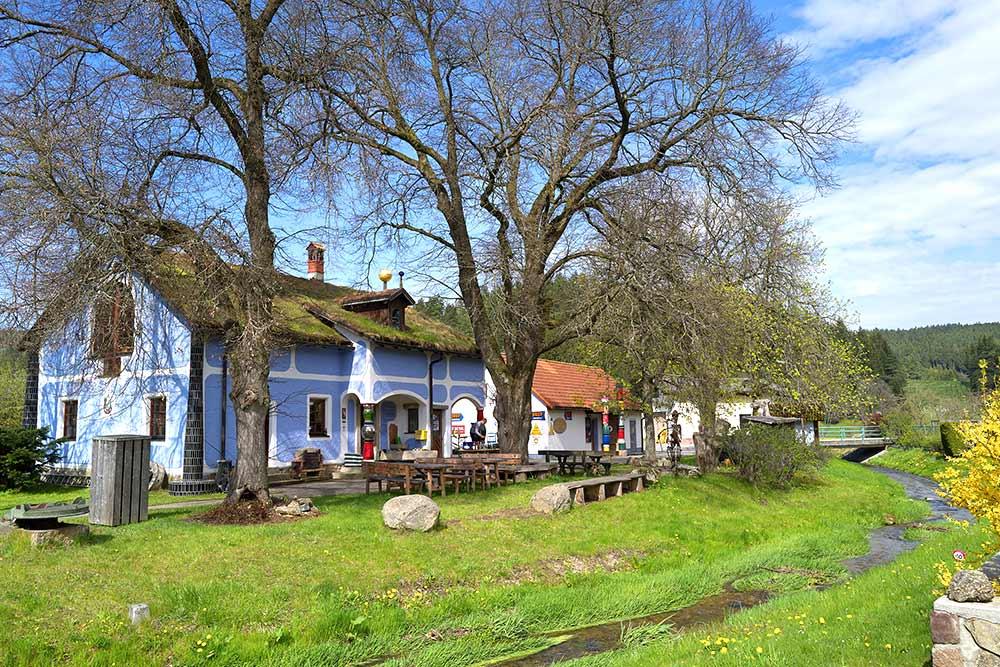 Dorfmuseum_Roiten_Hundertwasser_(c)Dorfmuseum_Haghofer