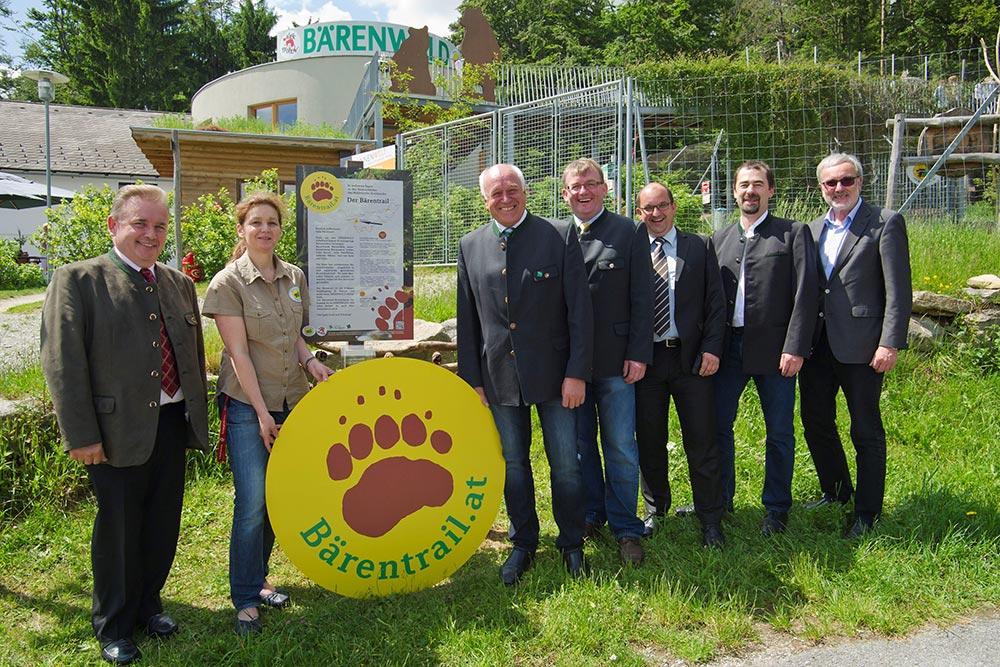 Bärentrail Eröffnung im BÄRENWALD Arbesbach 2016_Gruppe mit Bürgermeister